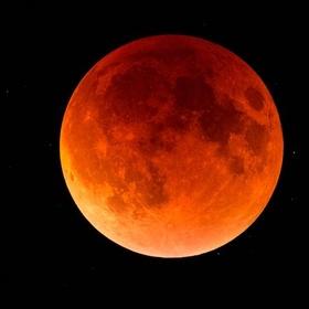 See a lunar eclipse - Bucket List Ideas