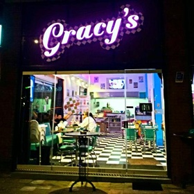 Eat at Gracy's American Diner | Rotterdam | The Netherlands - Bucket List Ideas