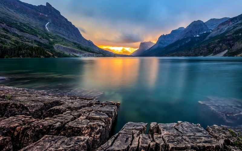 Bucketlist » Watch the sunset at St. Mary Lake In Glacier National Park, MT  (ZombieGirl)