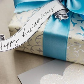 Exchange traditional anniversary gifts - Bucket List Ideas