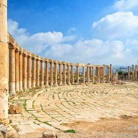 Visit the ruins of Jerash in Jordan - Bucket List Ideas
