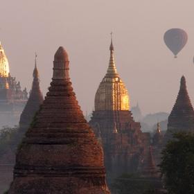 See the hot air balloons in Bagan, Myanmar - Bucket List Ideas
