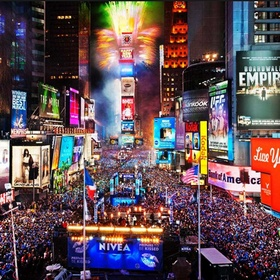 Be in Times Square, New York for New Years Eve - Bucket List Ideas