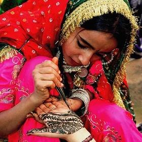Get a Henna Tattoo in India - Bucket List Ideas